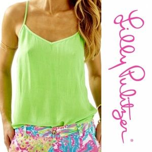 NWOT Lilly Pulitzer Dusk Top in lime green SzL